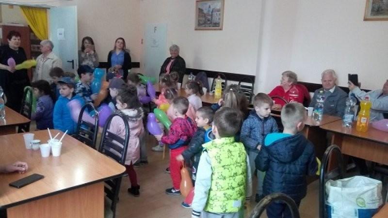 Ziua Internațională a copilului sărbătorită la Centrul de vârstnici Grădiște